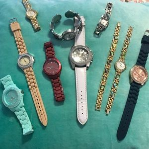 Accessories - Lot of 9 watches